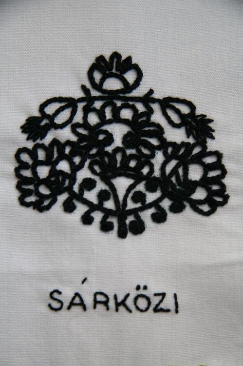 sarko broderie detail