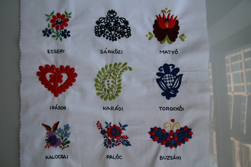 Hungarian Embroidery Sampler par NYC Housewife sur tumblr